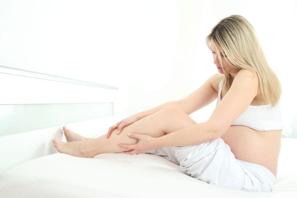 Отеки во время беременности. Причины и лечение отечности