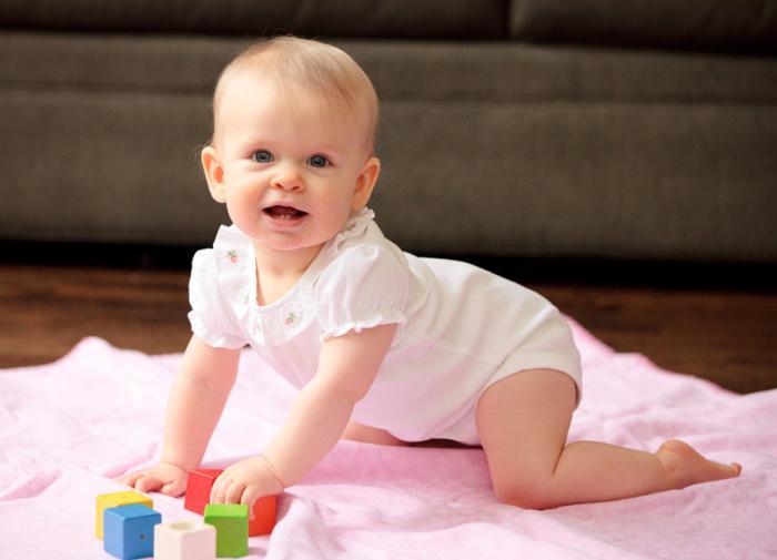 1 год и 7 месяцев мальчику