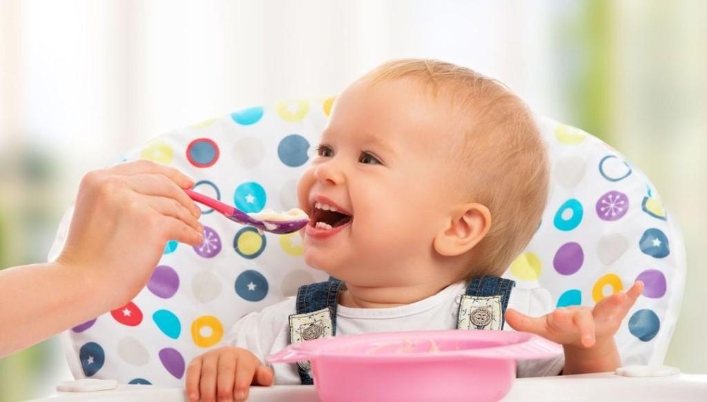 Развитие ребенка в 6 месяцев: что должен уметь, вес и рост