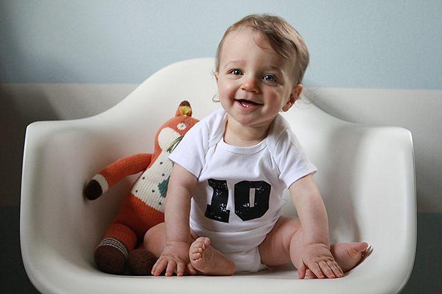 Что должен уметь ребенок в 10 месяцев - KidsPower